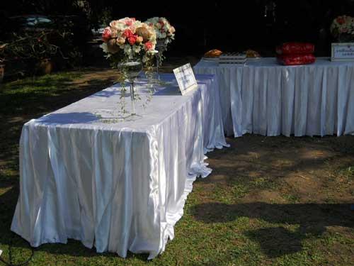 ให้เช่าผ้าคลุมโต๊ะ