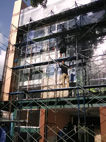 รับติดตั้งฟิล์มกรองแสงอาคาร