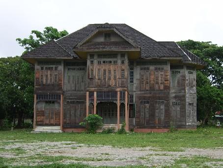 บ้านไม้โบราณ