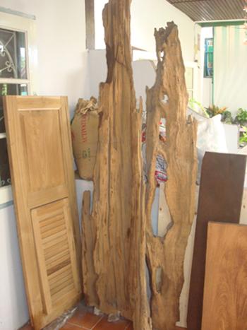 ตู้ไม้สักโบราณ