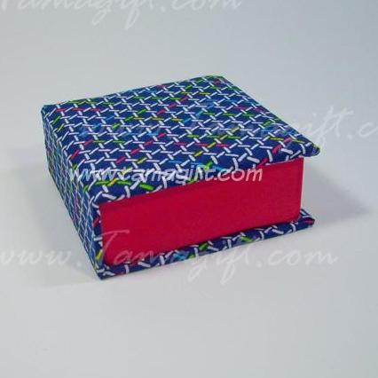 กล่องใส่กระดาษโน้ต