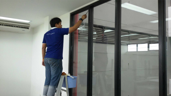 บริการเช็ดกระจก