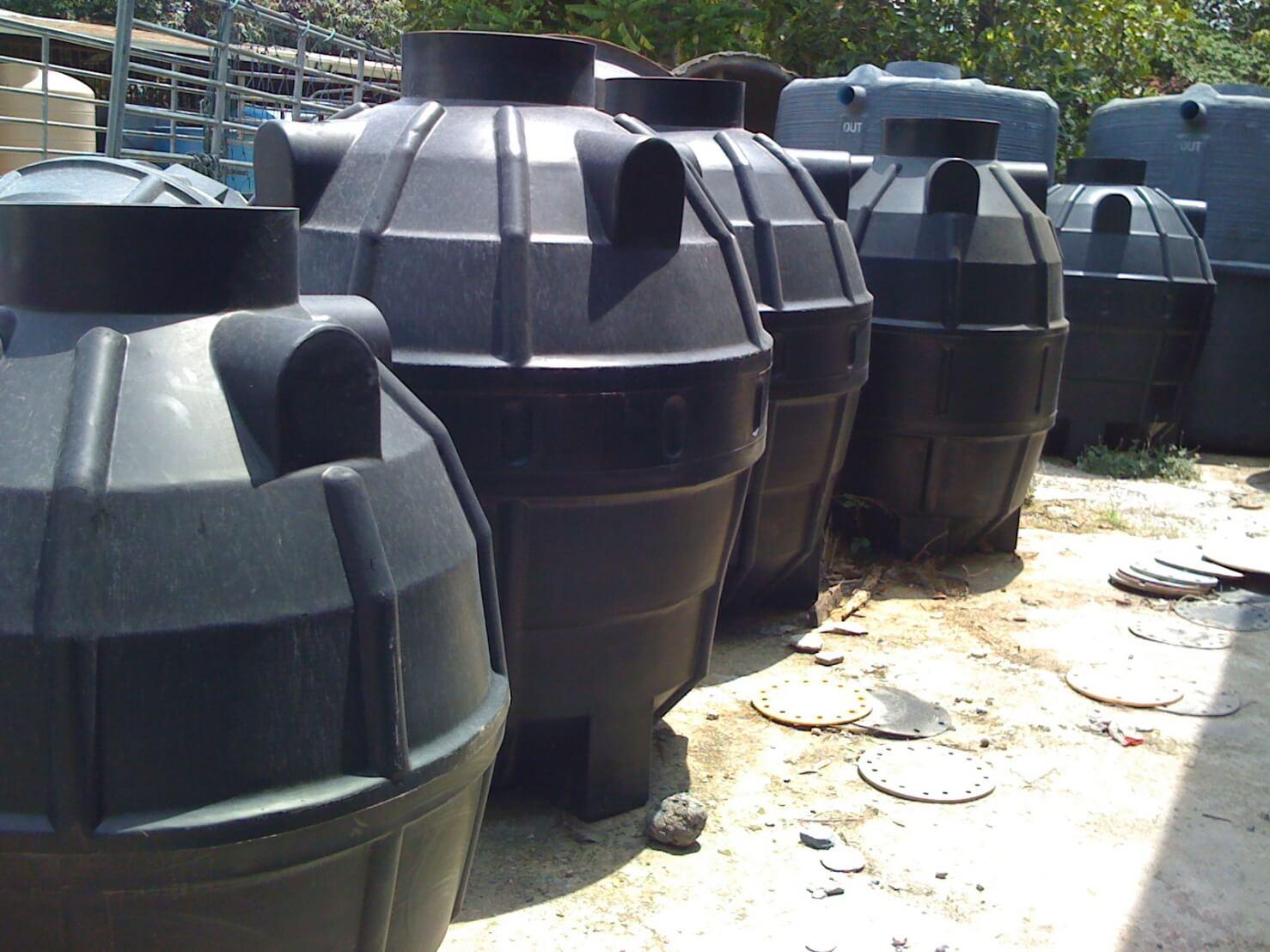 ถังบำบัดน้ำเสียพลาสติก PE รุ่น DCPE-1300