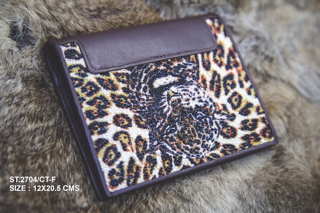 Stingray ray weaved wallet Jaguar