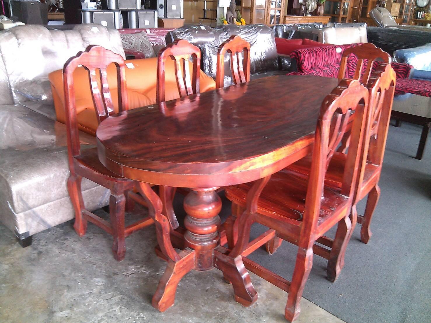 ชุดโต๊ะอาหารไม้ 6ที่นั่ง