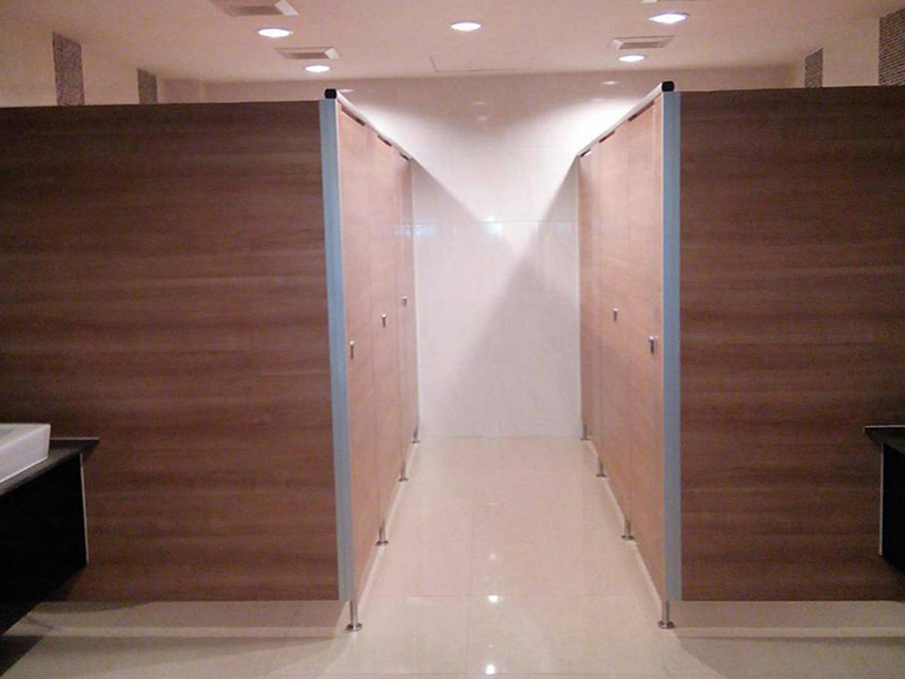 ประตูห้องน้ำสำเร็จรูป