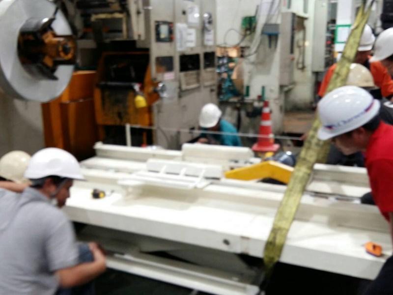 งานสร้างเครื่องจักรอุตสาหกรรม