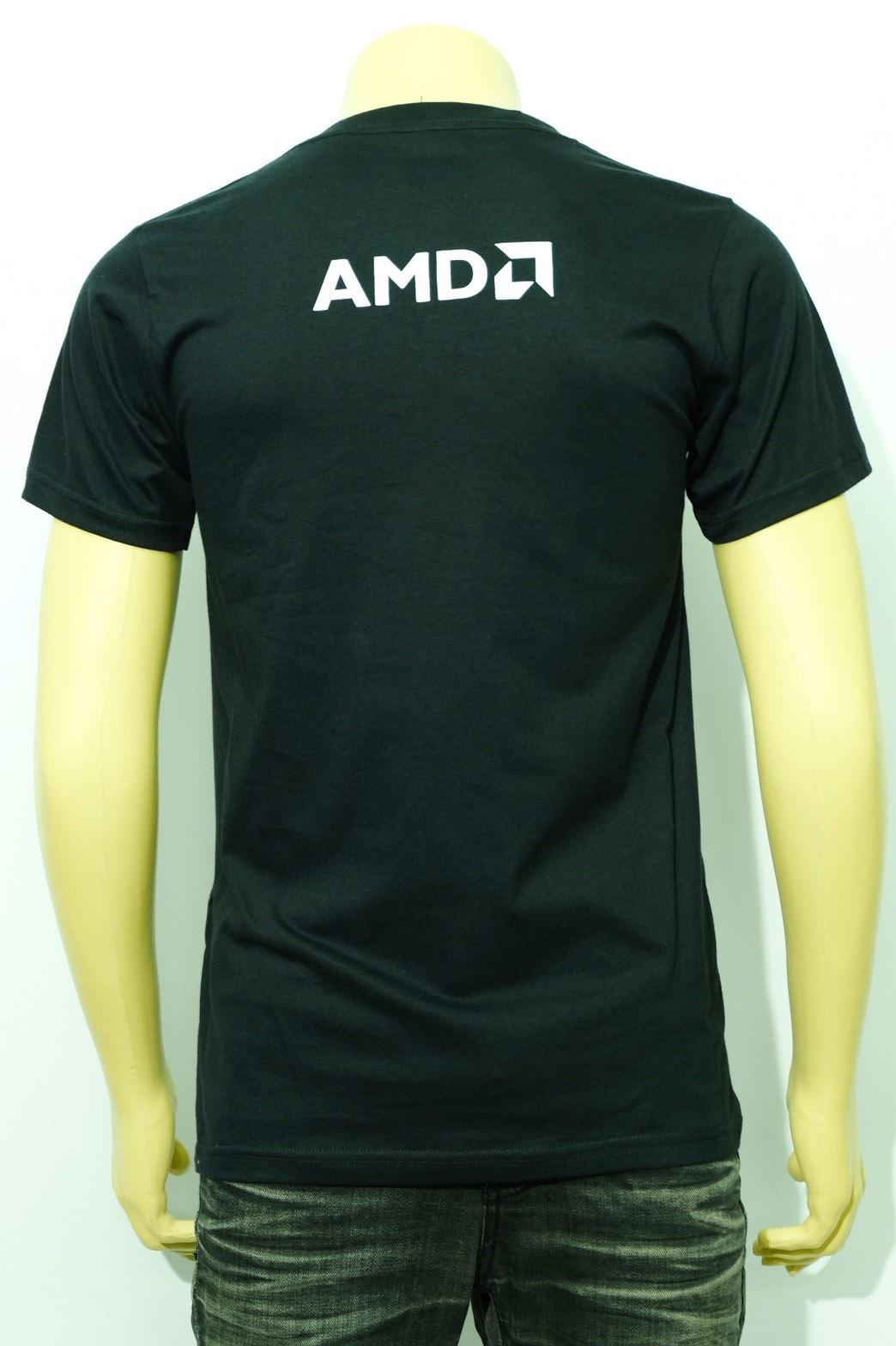 เสื้อยืดคอกลมสีดำ พร้อมสกรีนลาย