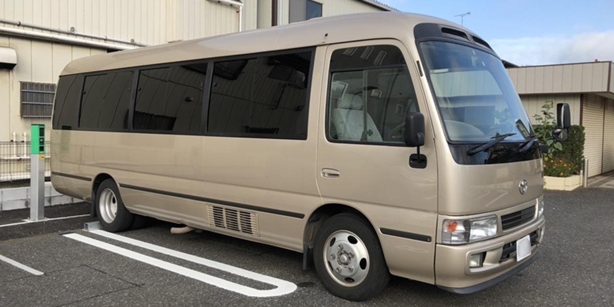 รถไมโครบัสเช่าพร้อมคนขับในญี่ปุ่น