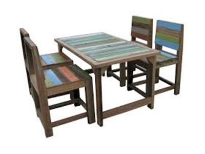 โต๊ะไม้สั่งทำสำหรับร้านอาหาร