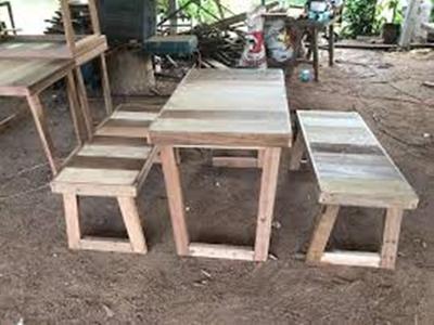 โต๊ะไม้และเก้าอี้ไม้ ราคาถูก