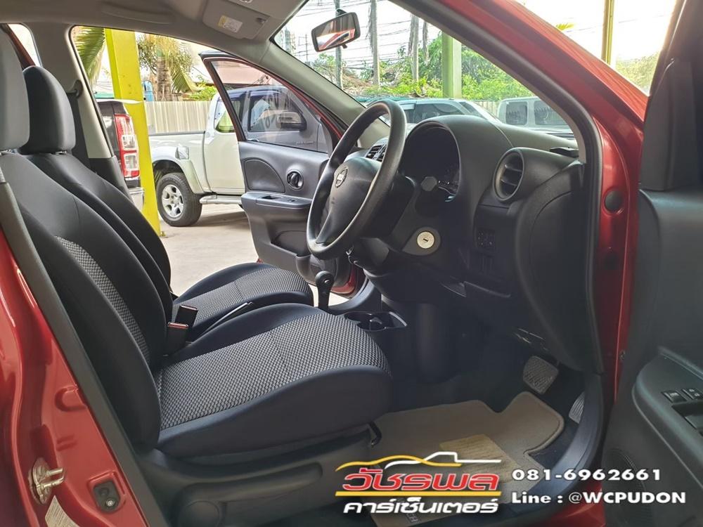 Nissan March 1.2 E A/T สีแดง