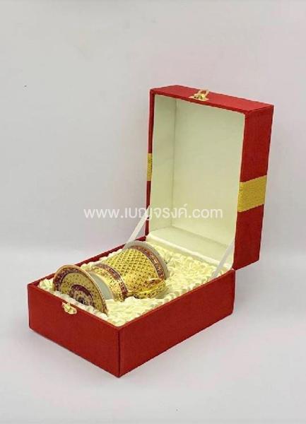 แก้วมัคเบญจรงค์ สีทองแดงลายไทย