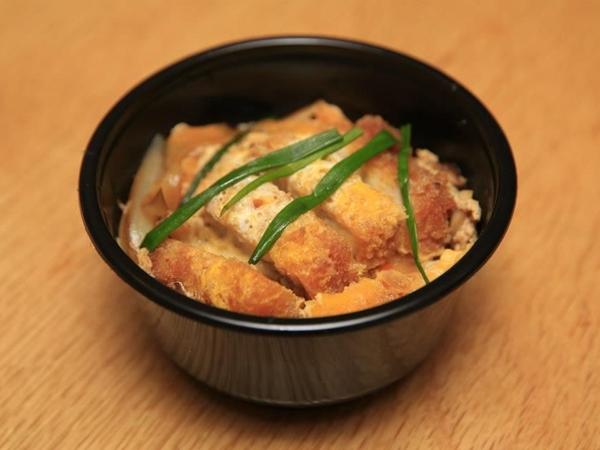 สอนทำข้าวหน้าหมูทอด (Katsudon)