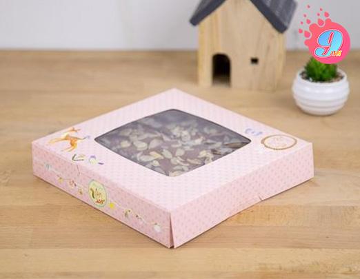 กล่องบราวนี่ สีชมพู (หน้าต่าง)