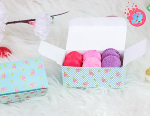 กล่องช็อคโกแลต สีฟ้าดอกไม้