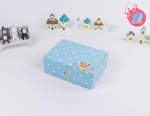 กล่องสแน็คฟ้า ลายหมี