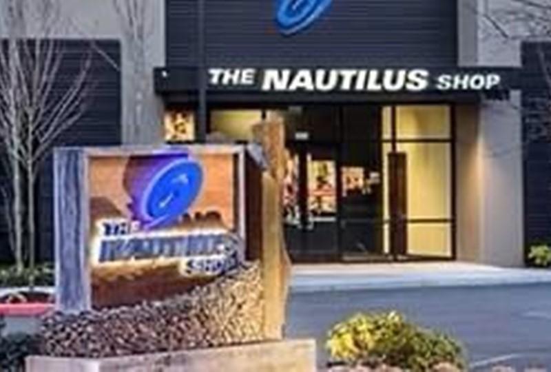 เครื่องเดินวงรี Nautilus รุ่น E626