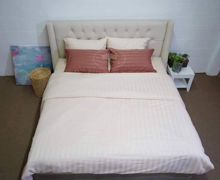 เตียงนอน รุ่น Madelyn