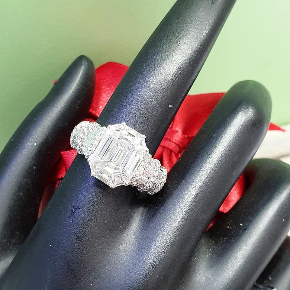 แหวนเพขร DIAMOND BOX - BIG EMERAL