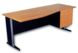 โต๊ะทำงานแบบยาว
