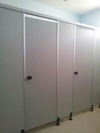 ผนังกั้นห้องน้ำลายคลาสสิค