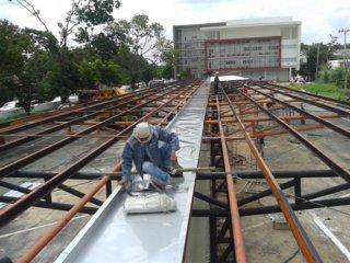 งานติดตั้งรางน้ำขนาดใหญ่ตามโรงงาน