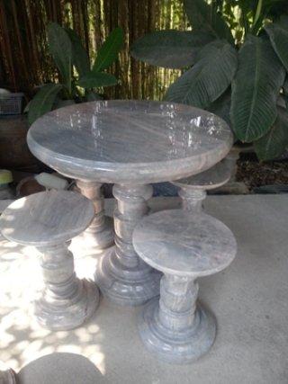 โต๊ะหินอ่อน ขนาด 80 ซม. เก้าอี้ 4 ตัว โต๊ะสูง 80 ซม.
