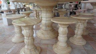 โต๊ะหินอ่อนสีน้ำผึ้งทอง ขนาด 140 ซม. เก้าอี้ 6 ตัว โต๊ะสูง 80 ซม.