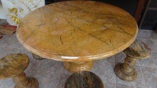 โต๊ะหินอ่อนสีเหลืองลายไม้ ขนาด 140 ซม. เก้าอี้ 6 ตัว โต๊ะสูง 80 ซม.