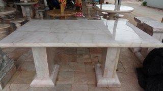 โต๊ะหินอ่อน ทรงสี่่เหลี่ยม ยาว 170 ซม. กว้าง 100 ซม. สูง 80 ซม. (มีเสาสองขา)