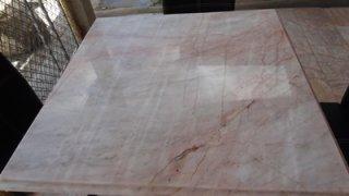 โต๊ะหินอ่อนสี่เหลี่ยม ขนาด กว้าง 80 ซม. ยาว 80 ซม. สูง 80 ซม. (ไม่รวมเก้าอี้)