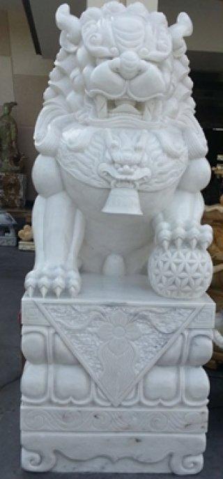สิงโตหินอ่อนแกะสลัก ความสูง 200 ซม.