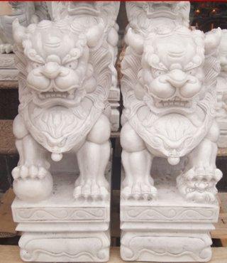 สิงโตปักกิ่ง ขนาด สูง 150 ซม. กว้าง 56 ซม. ยาว 88 ซม.