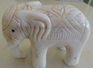 ช้าง ขนาดสูง 8 ซม. กว้าง 10 ซม. 1 ตัว