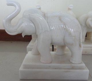 ช้างหินอ่อน ขนาด กว้าง 25 สูง 30 ซม.