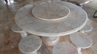 โต๊ะหินอ่อนขนาด 130 ซม. + เก้าอี้ 6 ตัว