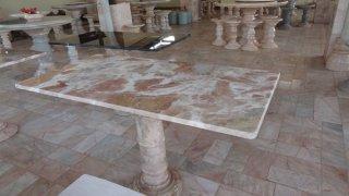 โต๊ะหินอ่อนทรงสี่่เหลี่ยม ขนาด 60x120x70 ซม.