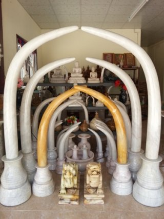 งาช้างคู่หินอ่อน สูง 150 ซม.