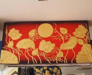 ภาพดอกบัวพื้นแดงทอง งานปิดทองคำแท้