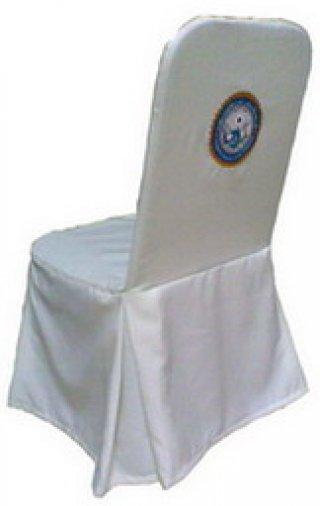 ผ้าคลุมเก้าอี้จัดเลี้ยง ทวิชมุม 4 มุม มีปักโลโก้