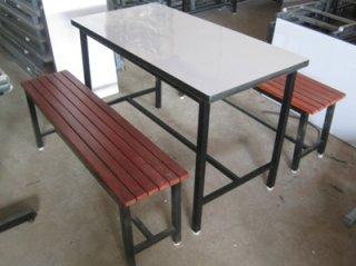 โต๊ะโรงอาหาร หน้าโฟเมก้าขาวเก้าอี้ระแนง