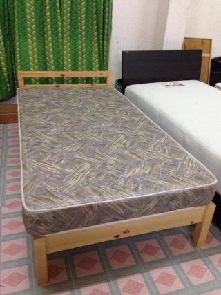 เตียงนอนญี่ปุ่นพร้อมฟูก
