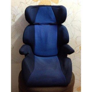 Booster Seat ของ Combi สีน้ำเงิน