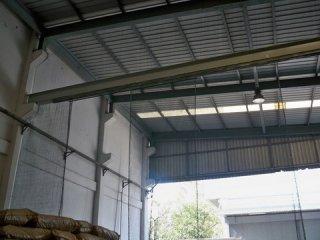 ลวดตาข่ายกันนกในโรงงานอุตสาหกรรม