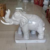 ช้างพ่นน้ำได้ แกะสลักหินอ่อน