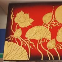 ภาพดอกบัว พื้นแดงทอง