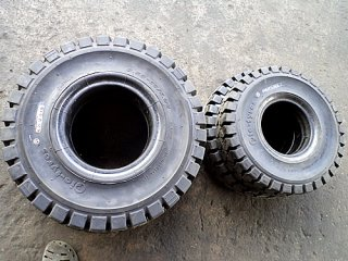 Solid Tire Pio-Tyres Brand