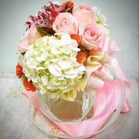 รับจัดช่อดอกไม้สด