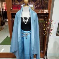 ผ้าไหมทอยกดอก ลายราชวัฏ สีฟ้า สว่าง เชิงคั่น ทอเครื่อง+ ผ้าสีฟ้าเหลือบเทา เข้าชุด